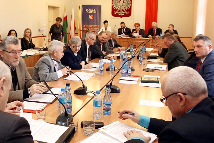 Ilustracja do informacji: XIV sesja Rady Powiatu Żarskiego
