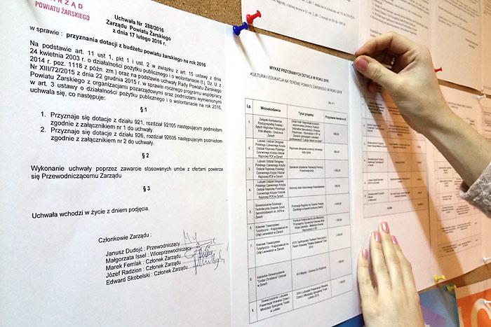Ilustracja do informacji: Zarząd rozdzielił dotacje z budżetu powiatu