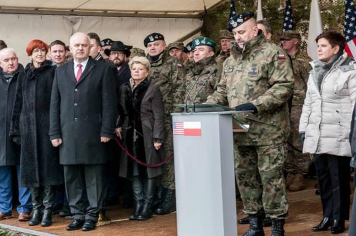 Ilustracja do informacji: Uroczyste powitanie żołnierzy amerykańskich w Żaganiu