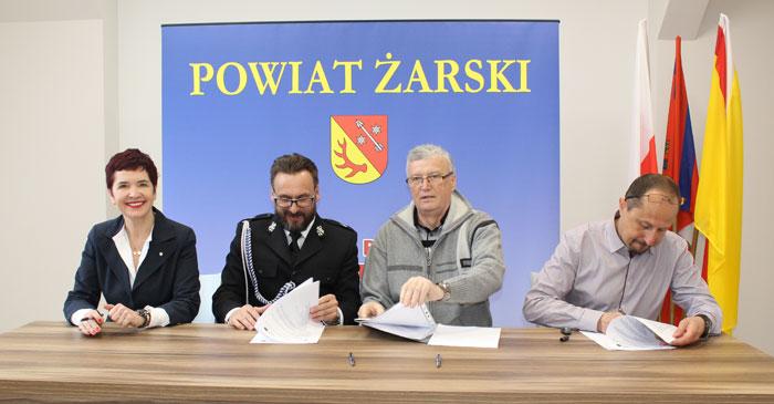 Ilustracja do informacji: Nowoczesne pracownie do kształcenia zawodowego w CKZiU w Żarach.