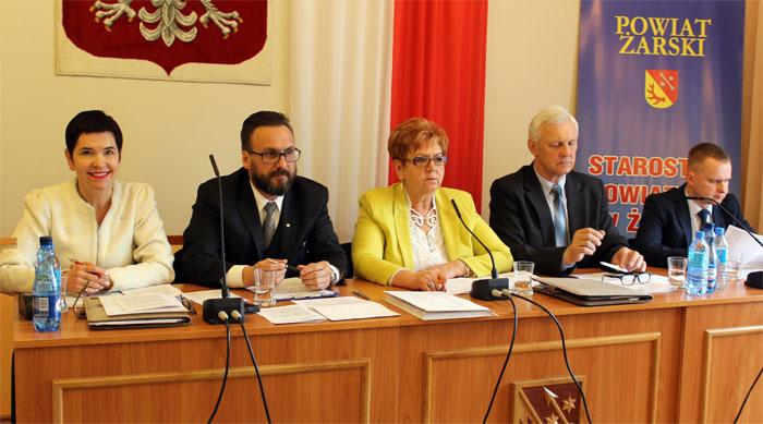 Ilustracja do informacji: XXVIII Sesja Rady Powiatu Żarskiego
