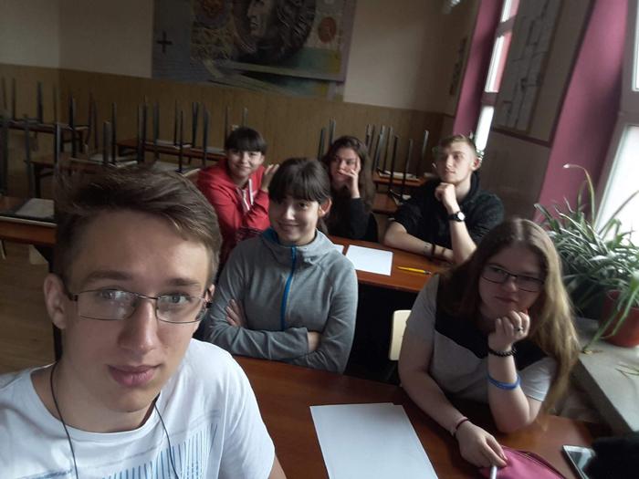 """Ilustracja do informacji: """"Mój własny biznes"""" w Zespole Szkół Ogólnokształcących i Technicznych w Żarach"""
