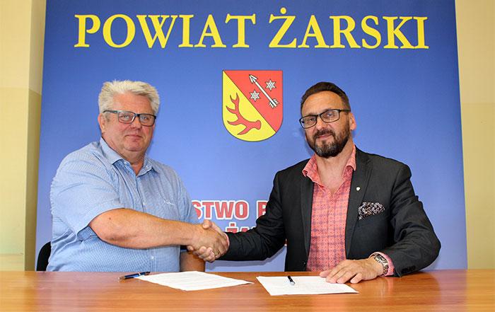 Ilustracja do informacji: Umowa na modernizację stacji diagnostycznej oraz klas w Zespole Szkół Technicznych w Lubsku podpisana!