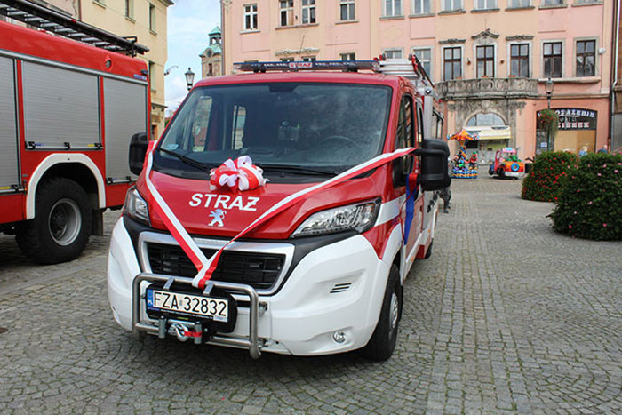 Ilustracja do informacji: Nowy lekki samochód ratowniczo-gaśniczy w jednostce Ochotniczej Straży Pożarnej Żary-Kunice