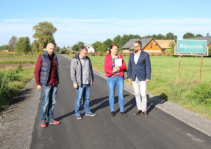 Ilustracja do informacji: Droga w Boruszynie odebrana !