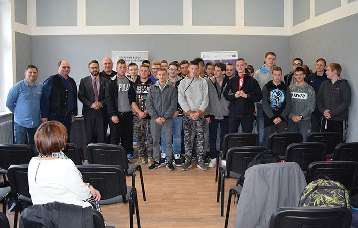 Ilustracja do informacji: Rozpoczęcie V edycji kursów zawodowych w Centrum Kształcenia Zawodowego i Ustawicznego w Żarach