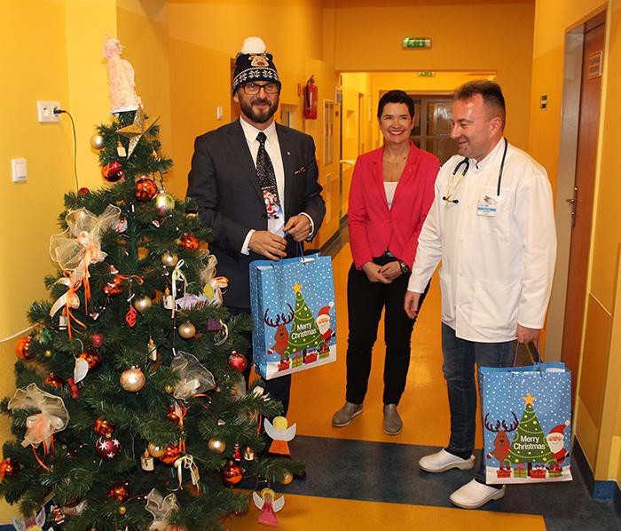 Ilustracja do informacji: Powiatowe Mikołajki w Szpitalu Na Wyspie w Żarach