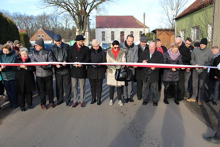 Ilustracja do informacji: Droga Strzeszowice - Jędrzychowice - Mieszków uroczyście otwarta !