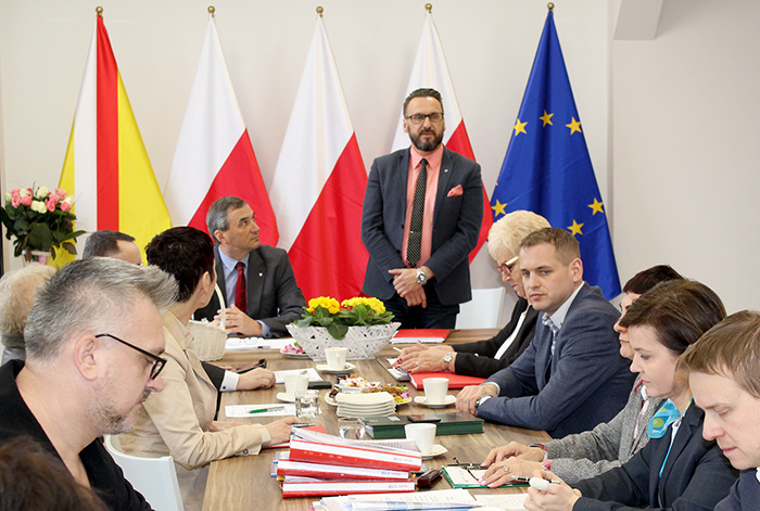 Ilustracja do informacji: Komisja Budżetu i Finansów Urzędu Marszałkowskiego