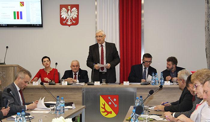 Ilustracja do informacji: Rada Powiatu Żarskiego uchwaliła budżet na 2019 rok
