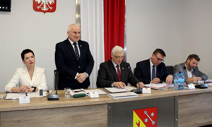 Ilustracja do informacji: IV sesja Rady Powiatu Żarskiego