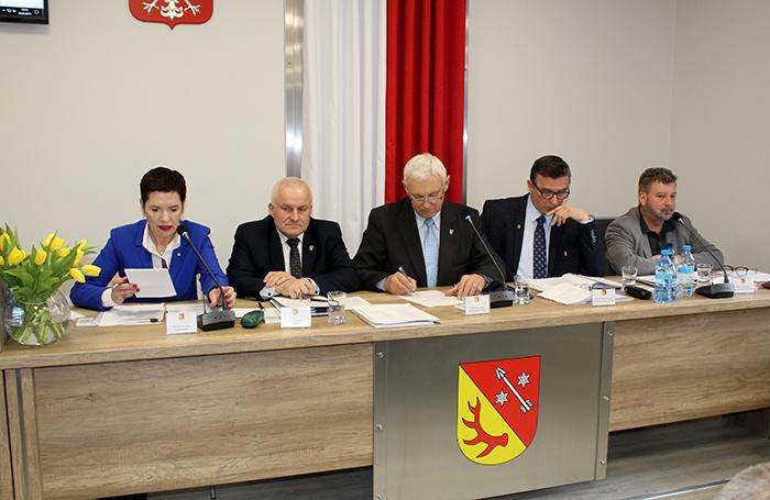 Ilustracja do informacji: V Sesja Rady Powiatu Żarskiego
