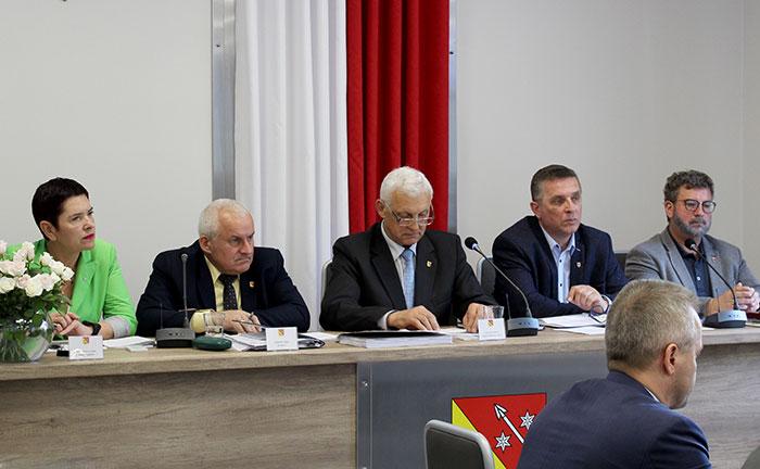 Ilustracja do informacji: VI sesja Rady Powiatu Żarskiego