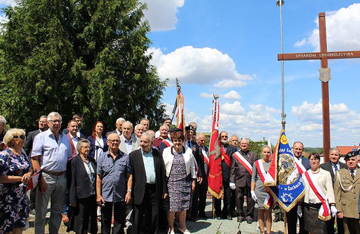 Ilustracja do informacji: Narodowy Dzień Pamięci Ofiar Ludobójstwa dokonanego przez OUN - UPA na obywatelach II Rzeczypospolitej Polskiej