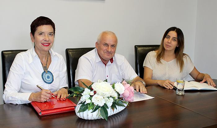 Ilustracja do informacji: Spotkanie władz Powiatu Żarskiego z Wójtem Gminy Tuplice Katarzyną Kromp