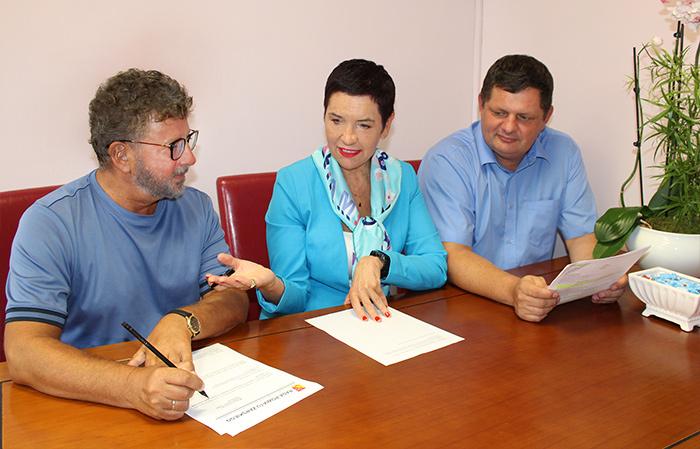 Ilustracja do informacji: Spotkanie robocze przed rozpoczęciem roku szkolnego