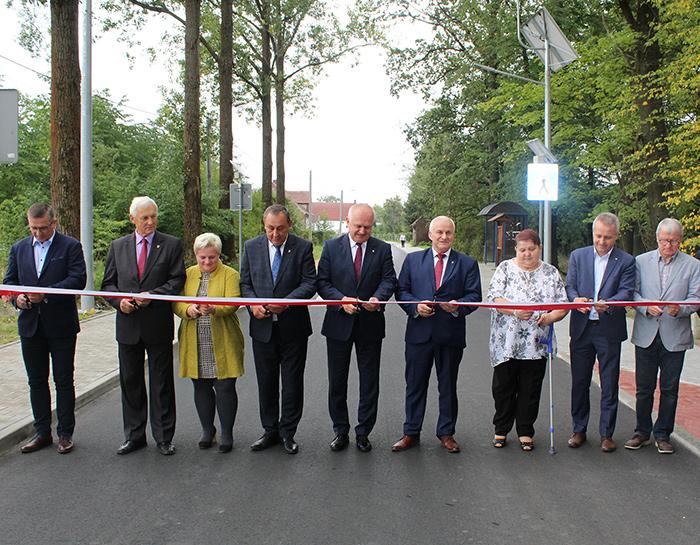 Ilustracja do informacji: Uroczyste otwarcie drogi powiatowej w Mielnie