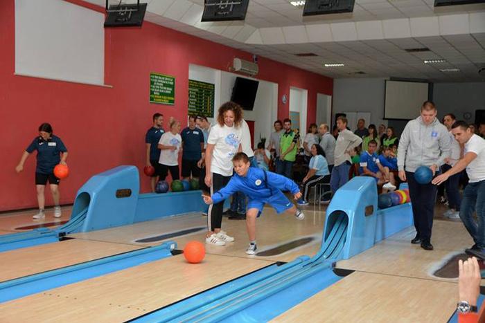 Ilustracja do informacji: Lubuski Turniej w Bowlingu Olimpiad Specjalnych