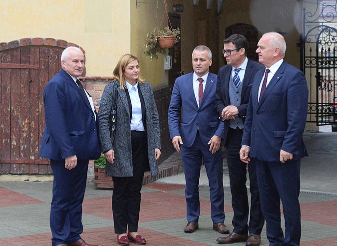 Ilustracja do informacji: Tydzień Seniora w Zakładzie Opiekuńczo-Leczniczym i Domu Pomocy Społecznej w Lubsku