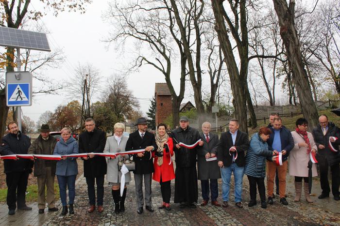 Ilustracja do informacji: Otwarcie drogi powiatowej w Chociczu