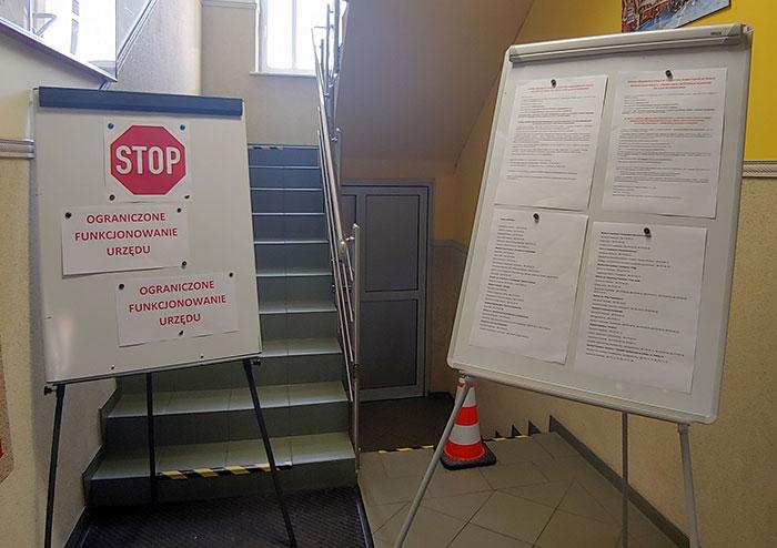 Ilustracja do informacji: Przypomnienie o zmianach w organizacji pracy Starostwa Powiatowego w Żarach