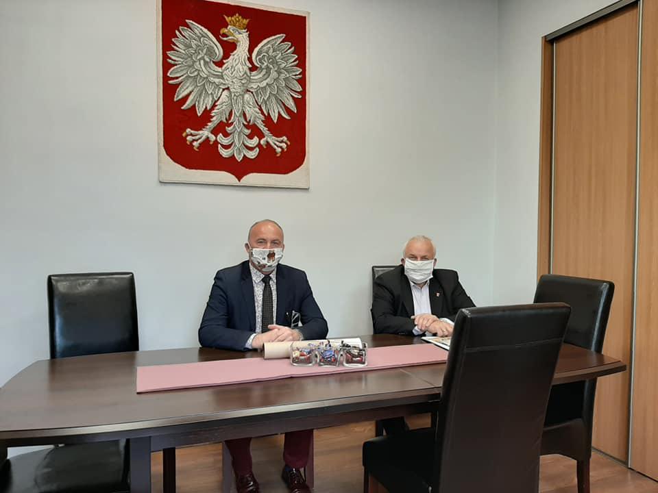 Ilustracja do informacji: Spotkanie Starosty Żarskiego z Burmistrzem Jasienia