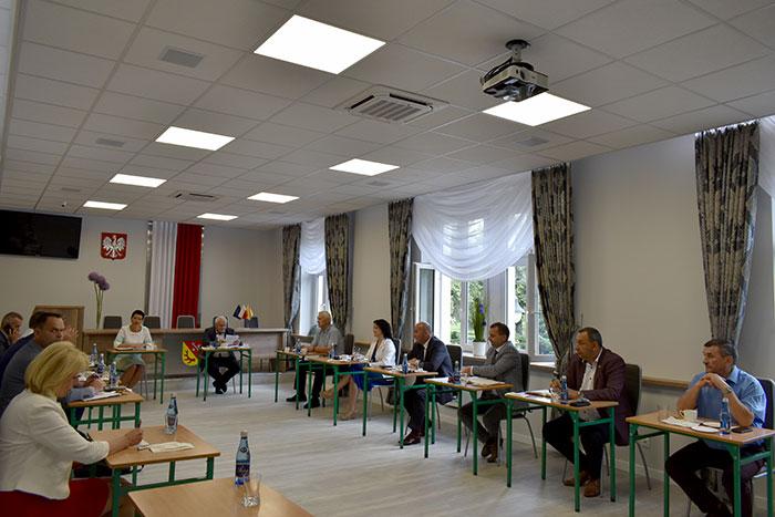 Ilustracja do informacji: Spotkanie z burmistrzami i wójtami miast i gmin Powiatu Żarskiego