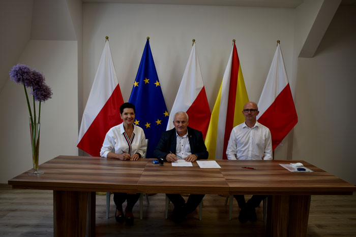 Ilustracja do informacji: Podpisanie umowy na rozbudowę z przebudową istniejącej oczyszczalni ścieków dla Domu Pomocy Społecznej w Miłowicach.