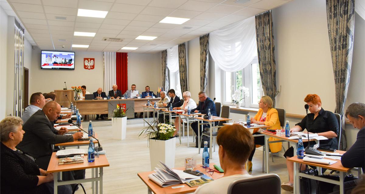 Ilustracja do informacji: Absolutorium dla Zarządu Powiatu Żarskiego jednogłośnie udzielone!